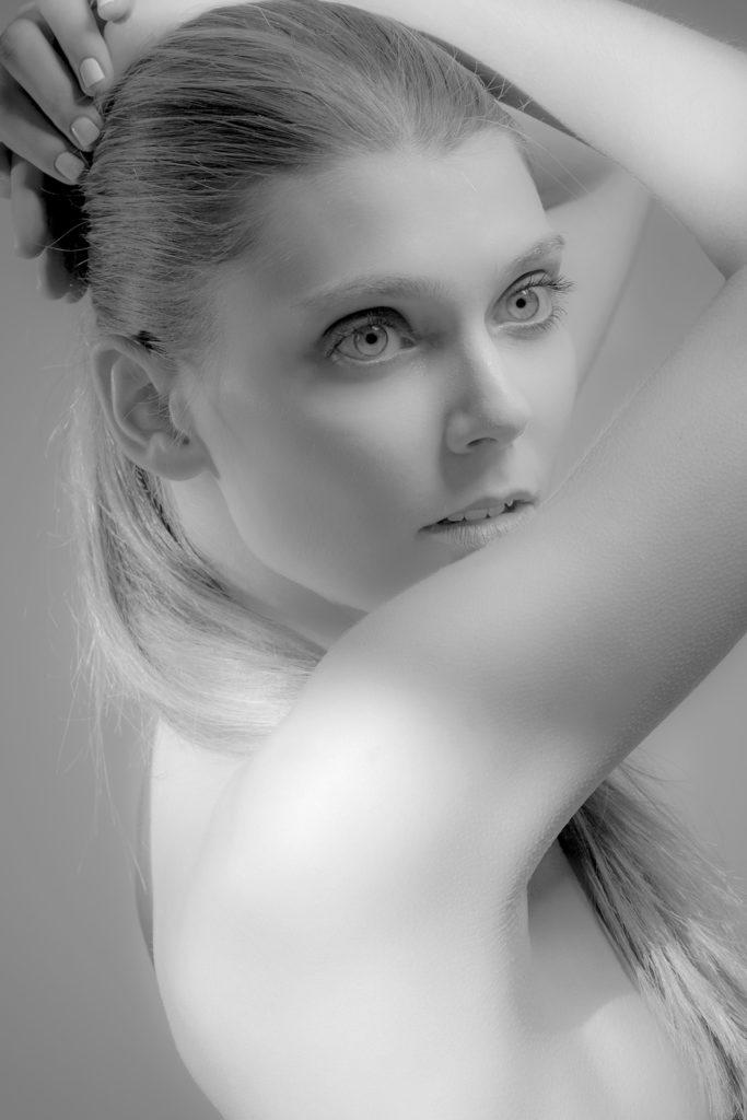 Actor: Lahra P, Location: Studio, Offenburg Germany, Title: Sedcard 2